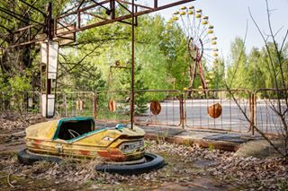 igaustria decay ukraine artwork photooftheday artist chernobyl photography fairground ferriswheel lostplaces prypjat abandoned