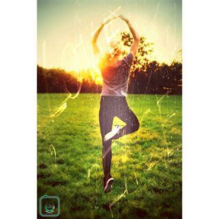 photograph jumping model nature clix girl grass clixfotodesign jump earth sunset followme modern style photo like picoftheday people liker photography follow follower blond green outdoor potd