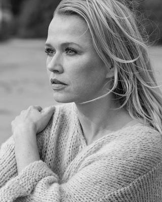 herzpiraten actress portraitphotographer katrinschoeningphotography liebendermensch author wennliebenichtreicht moderatorin model
