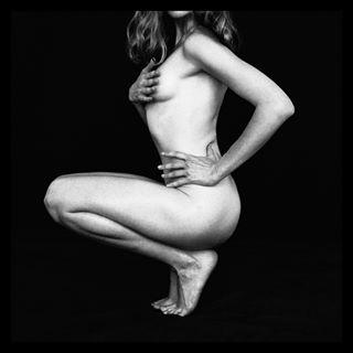 analogphotography beautifulgirl blackandwhite editorial fashionphotographer film model portrait shapes vsco women девушка женщина модель модельныетесты пленка портрет фотограф чб чистотаформ