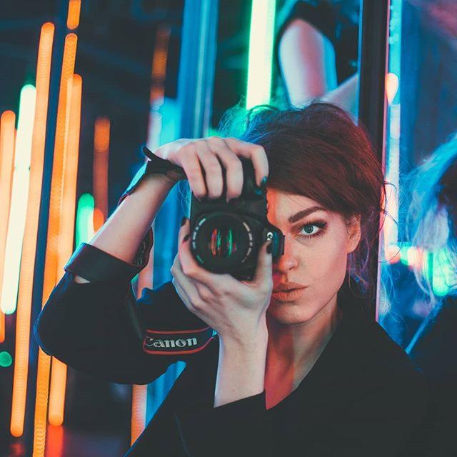 artplay portraits_ig neon bravogreatphoto moscow beautiful demon photo portrait emotions vtomatephoto blue red samskara