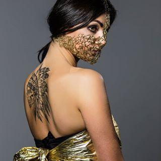 portrait blokada sesjazdjeciowa fotozenpl tatuaż fotozen photography reflection sesjastudyjna photooftheday fotografłódź studio