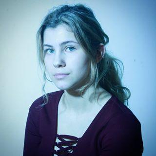 beautiful longhair photoshoot model imnotahashtagwhore beautifulgirl ponytail muchlove friends piercings photography redshirt