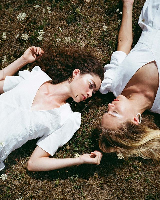 summer virginsuicides photographer zara shooting editorial onset fashion fashionphotography models argentic yashica