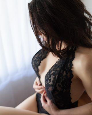 losangelesboudoir losangeles lingerie lace brunette boudoirphotography boudoirphotographer boudoir bodysuit
