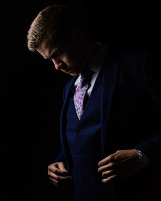 drphotophonics fashionblogger model suitedandbooted portrait firsttrainwillfixit nofilter onelight kennett milan suit natural whitstable classic suitup slaterssuits trains neewer malemodel ryanov dark slatersmenswear to follow morningafterthenightbefore share instadaily
