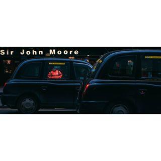 adobe vintagelens scotland photography nikon perfecttiming taxi nikond60 pentax contrast people lightroom streetphotography sirjohnmoore glasgow cinemascope adobelightroom trip
