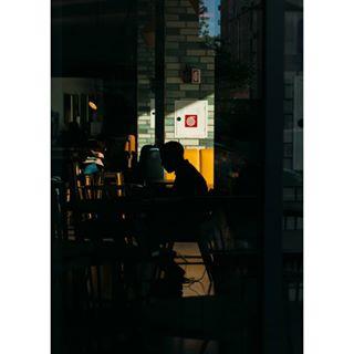 life_is_street silhouette venice goldenhour streetphotography urban nikond60 photography yellow street architecture streetphotographyhub streetphotographersmagazine people contrast sun adobe picoftheday shadow hardshadow nikon hostel lightroom harshlight mestre