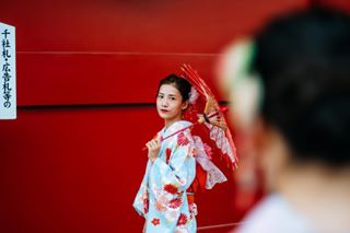 kimonostyle asakusa fashion portraitphotography ootd photoshoot autumn kimono travel photography tokyo beautiful japan streetstyle beautifuldestinations natgeotravel instafashion