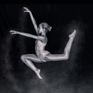 ballerina canon5dmarkiii dancer photoshop blackbackground silver photoshoot camera photo lightroom jump