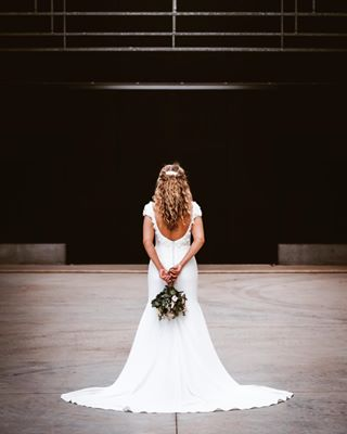 bouquet bride symmetry wedding weddingphotography