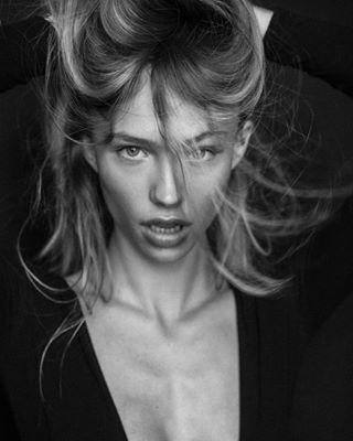 girl 35mm picoftheday model mood erricofabiorussoph shooting amazing fashion beauty
