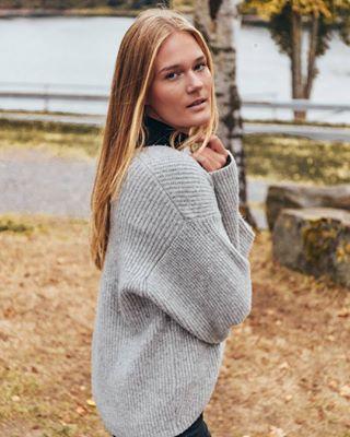 lightroom autumn blonde swedishstyle canon shooting sweet girl cotzy nature swedish lake jollaproductions dslr