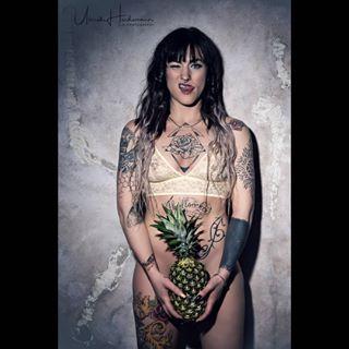 sexymodel model inkedgirl tattooedgirls tattoo artgirl inked ink inkaddict ananas muelheim tattooerotika eroticphotography amazingink