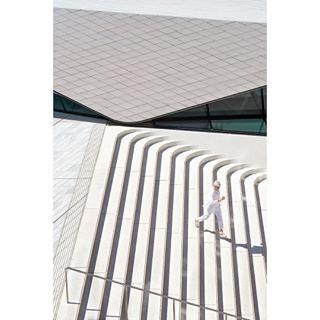 archdaily londonarchitecture architecture abstract tv_architectural domus rsa_architecture imaginarymagnitude contemporaryarchitecture tv_leadinglines vamuseum henrywoide dezeen amandalevetearchitects minimalist minimalism rentalmag archilovers londonarchitects rsa_minimal architecturaldigest arkitektur architecturephotography