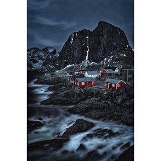 surreal snowymountains sky rocks reine picturesque ocean norway nikon nature mountins lofoten landscape fishermancabins eliassenrorbuer