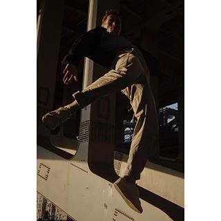 dancephotography lumecube sonya7ii footwork model dancemodels fancemodelsearch motion bboy dancemodel streetphotography breaking freezethemoment photography adidasrussia actionphotography action moscow art sonyphotography
