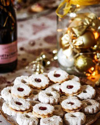 photooftheday chookiefood vanilacookies moetetchandon foodstyling photographer photoshoot greetings season bestwishes goodlife goodfood celebration wish 2020 newyear