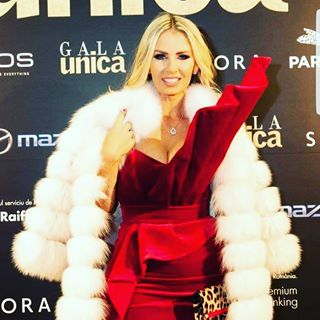 andreea andreeabanica andreeabanicaofficial awards banica bucharest bucharestlife chic event events fashion gala glam glamour glamourous luxury magazine redcarpet romania sexy singer star stars unica