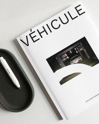 designlover ig_minimalist ig_minimal aesthetic automotive coverdesign minimaldesign lifestyle designlife mobility fahrengold art journal design avantgarde vehicule vehiculemagazine transportation magazine