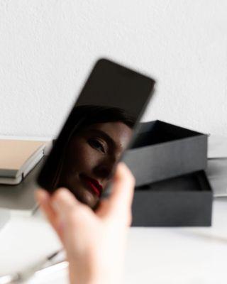 design minimalism bllocphone blloc