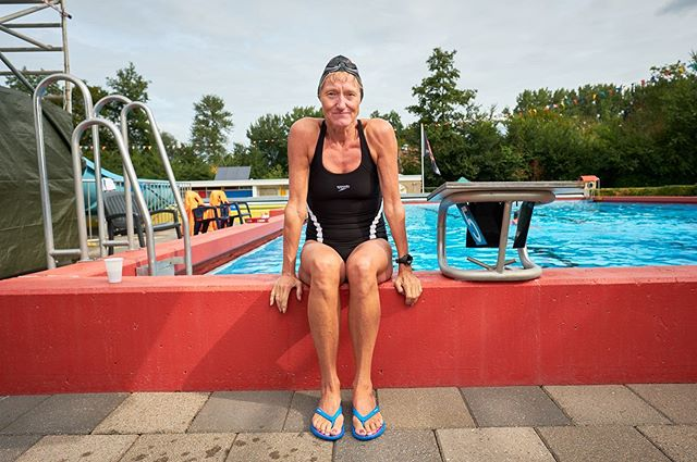 editorialportrait swimmingpool redactioneel xh1 swimmer captureonepro portret profoto b2 nrc fujifilm als