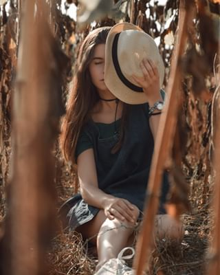 fashionable portraitstream hat longhair life trees modelo modelling modele nature explore branch botanical instadaily twosides longhairgoals photoshoot model thrworldofportraits adventure girl photos_dailydose forest modellife wanderlust traveller photography photooftheday