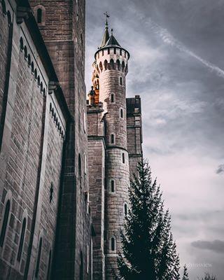 weroamgermany moodyphotography schlossneuschwanstein castlephotography weroamabroad