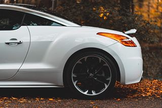 fall autumnvibes🍁 peugeot carphotos sportscar carphotography carphotographer peugeotrcz motorsportsphotography photography motorsport sportscars carphotoshoot autumn rcz