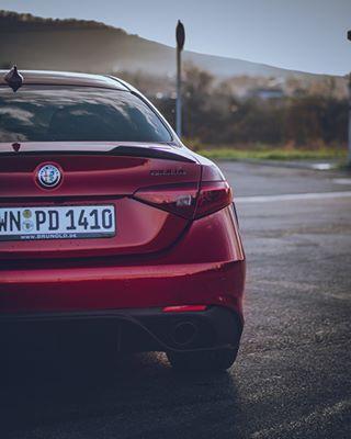 italiancars loveatfirstdrive redgiulia alfaromeogiulia sportscars
