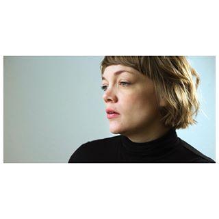 photoshoots backlit copenhagenlife windowlight portraitures nordico canonnordic femaleartist stills 📸📸