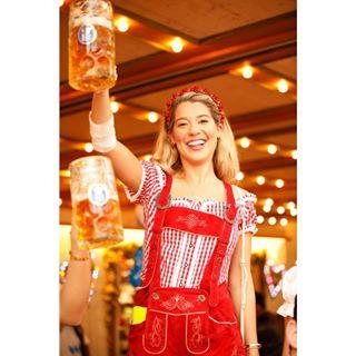 blondegirl redtrousers octoberfestfashion polishphotographer munich redshirt beer oktoberfest oktoberfestmunich redcheckshirt bier octoberfest munichphotographer oktoberfest2019