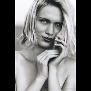 woman summer portrait naturallight monochrome intense girl female eyes dk denmark closeup blackandwhite beauty beautiful århus
