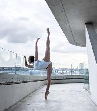architecture_minimal performingarts zahahadid dancephotography balletvlaanderen antwerp pixel4 teampixel googlepixel4xl camerasanddancers