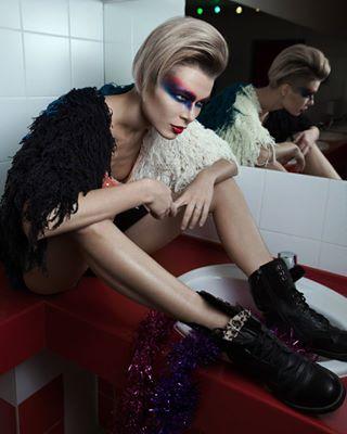 model fashion insta dark photo девушка гранж girl like съемка grunge makeup photoshooting фото фотограф черный крск shoot модель mirror моёфото follow красноярск