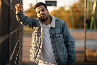 alphacollective düsseldorf fashion germany🇩🇪 instashot levis lfdy livefastdieyoung model mood neuss portrait portrait_ig portraitphotography portraitshots sonyalpha7iii sonyimages streetfashion summer sunshine turkey urbanfashion urbanstyle