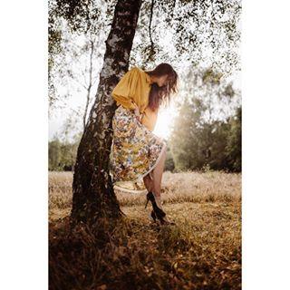jasmineandressenfotografie fashion backlight mode professional fashionmodel style photoshoot sun professionalphotographer heidewitzka16 fashionphotography beautifullights summer outdoor