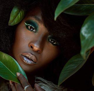fun portrait model budapestphotographer photography viviennaomiphoto london creative londonphotographer green makeup beauty fall