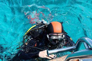 scuba sea egypt scubaequipment diving_photography divingphotography travelers travelphotography divers balon scubadiving canonphotography people diving scubagear egyptphotography canon sinai diver tiran canonphoto redsea travel