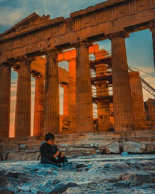 yourshotphotographer amazing inspiracion awesome culture backpacker viagem hope people simplicity simple peoplegallery people_storee streets_storytelling parthenon acropolisofathens boy life beautiful photography photooftheday awesome_photographers colorful color travel europe greece_travel greece