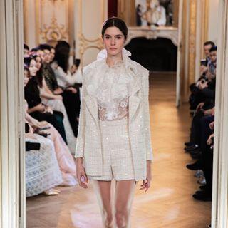 paris art wedding catwalk photography fashionstyle fashionweek pfw hautecouture model modeloftheday designer dress collection mariage parisfashionweek