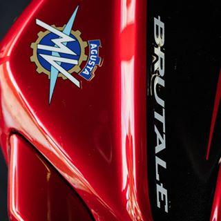 sport details mvagusta macro motogp switzerland motorcycle gp vevey italianbike brutale petermckinnon mv italy