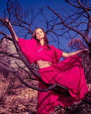 dessert tablemountain modelgirl pinkskirt fashion instagood poses 2018 capetown photooftheday📷 timkoeck fashionphotography pose bluesky photographer model