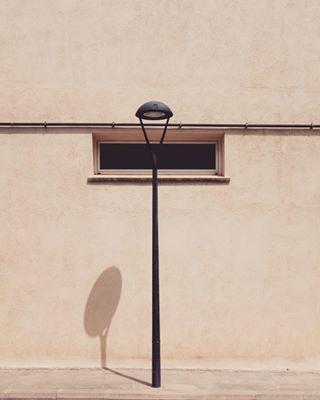 lamppost minimalist shadow