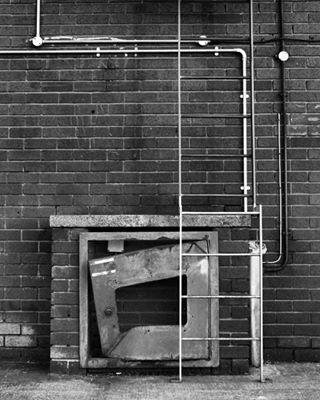 rust blackandwhite canon photography nottingham brick metal