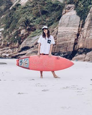 surfgirlmag riodejaneiro surfing photoshoot yourshotphotographer surfboard nature aloha swell watershots 50mm canon surflife surfconnect girl preserve 021 errejota surfphotography surf surfcheck surfshots lifesftyle surfer surfgirl riosurfcheck
