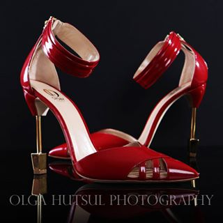 oysbys redshoes photoshoot productphotography stylist oysbylondon photography red torontophotographer torontoproductphotography style fashionblogger