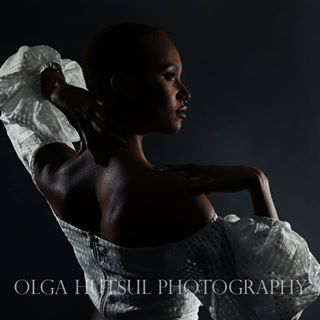 puffyshirt profile torontomodels fashionstyling photoshoot editorial torontophotographer elegant torontofashion