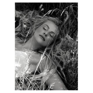 highendretouch retouch beautyphotographer purebeauty beauty photography bnwphotography blackandwhite portrait model sunshine summer