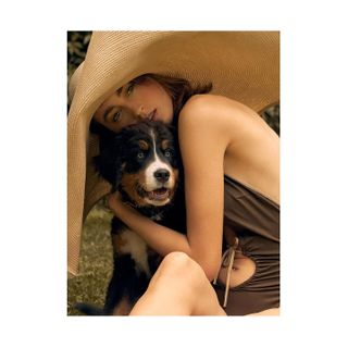 beawinterfeldt summerlook summer visualevolution sensual photographer puppy dog model makeup highendretouch retouching retoucher beautyretouch portrait beauty fashionshooting fashioneditorial
